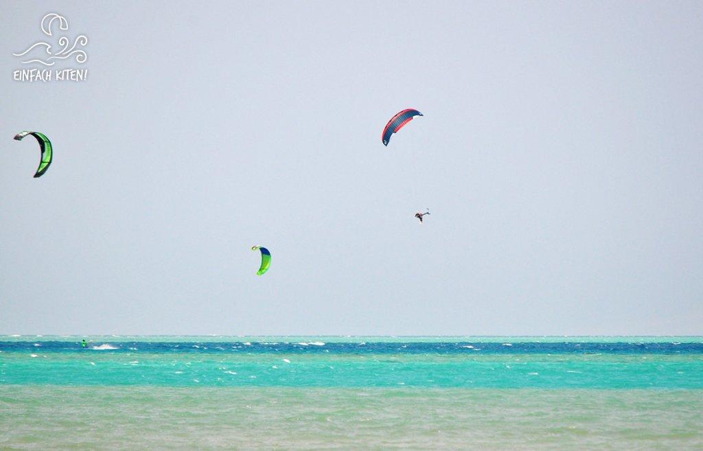 Kitesurfer bei Springen mit dem Fylsurfer Soul 10