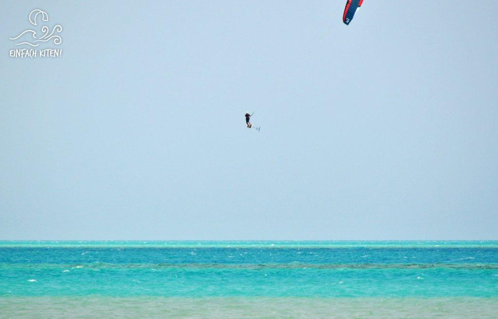 Kitefoil Sprung in Ägypten mit Flysurfer Soul 10